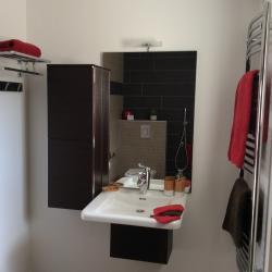 la salle de bain de la chambre familiale