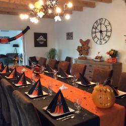 une table d'Halloween