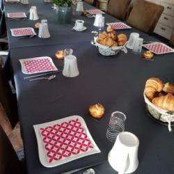 petit déjeuner dans la salle à manger